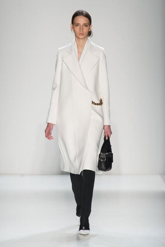 victoria-beckham-autumn-fall-winter-2014-nyfw1
