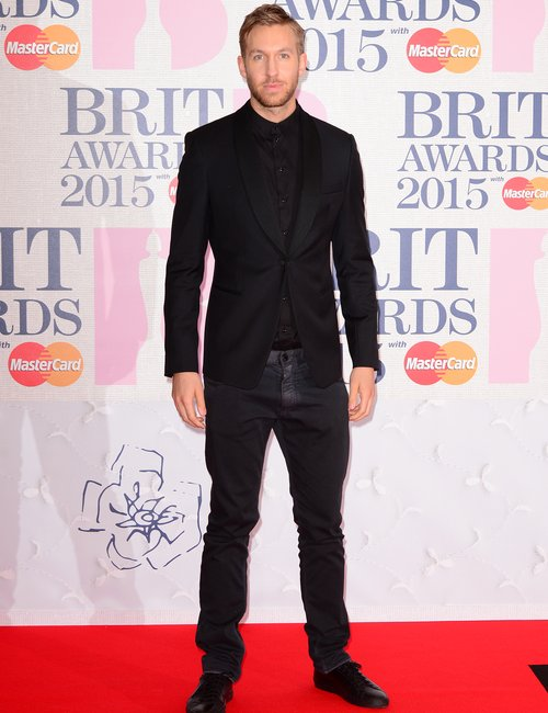 calvin-harris-brit-awards-red-carpet-2015-1424888622-custom-0