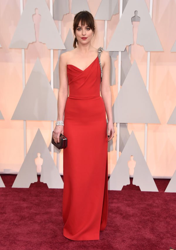 dakota-johnson-2015-oscars-arrivals